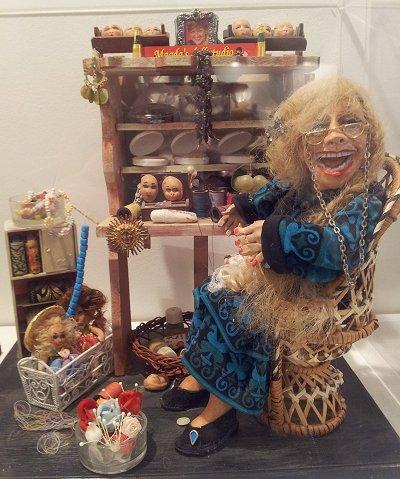 בובה של אמנית הבובות, מגדה